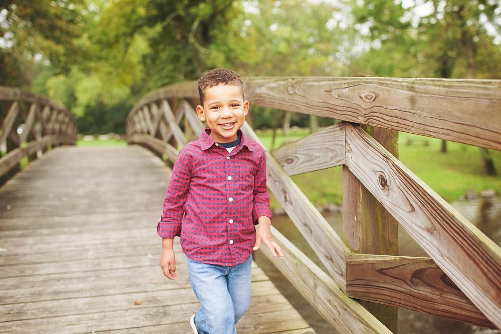 child photography wisconsin little boy cedarburg